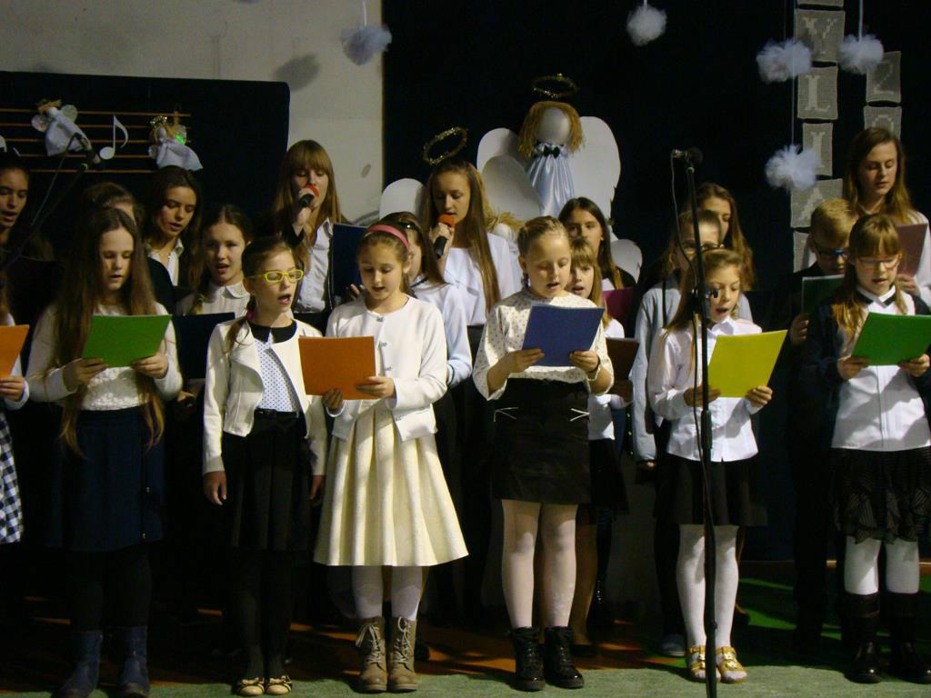 Chór szkolny z Bociek.